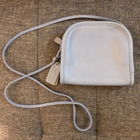 Coach Handbags - Light blue vintage leather coach purse